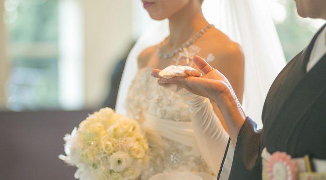 【新郎新婦の母として】結婚式当日の服装って何を着ればいいの?留袖編!