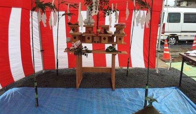 今日は朝から晴れましたね。朝から群馬県太田市と栃木県佐野市で行われた地鎮祭に随行してまいりました!