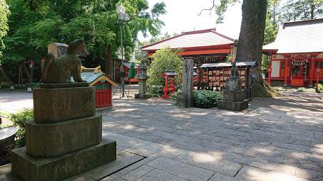 今日も太田市の冠稲荷神社は日差しが強く暑い日となりました。